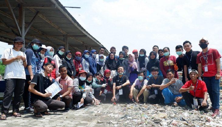 Tim Gajahlah Kebersihan merupakan gerakan sosial peduli kebersihan