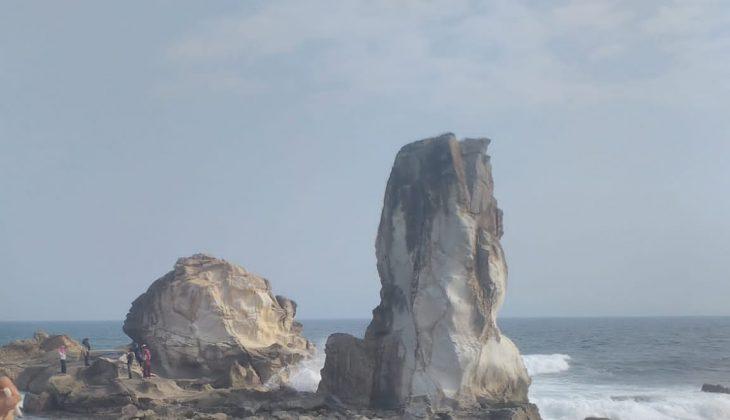 Pantai Karang Putih