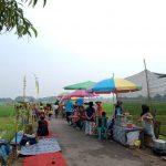 Sarapan Sambil Menikmati Suasana Alam di Jamur Sawah
