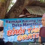 Remaja Karang Taruna Desa Margodadi Bagi-bagi Takjil Gratis