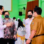 Presiden Sapa Peserta Vaksinasi di Lampung