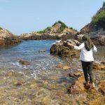 Pantai Tapak Kera Masih Sangat Alami dengan Airnya yang Jernih